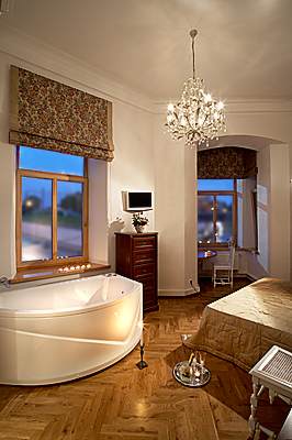 Double Superior room with massage bathtub in bedroom + shower in private bathroom, Florens Boutique Vilnius